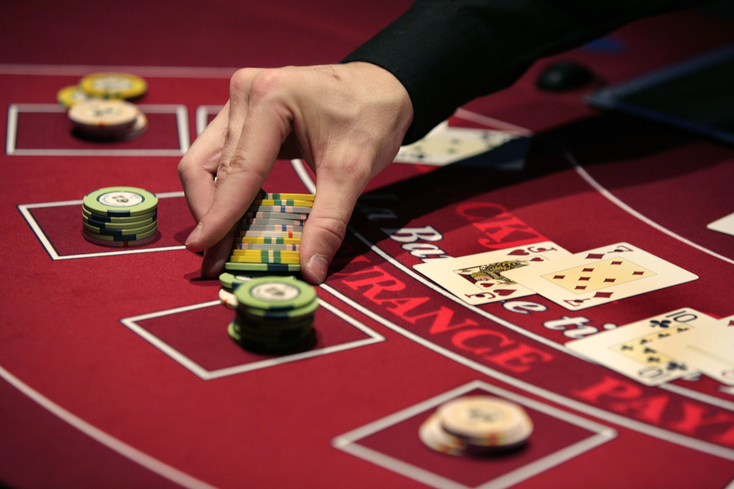 Time to Ante Up: MIT Puts Poker Course Online The Fiscal Tim