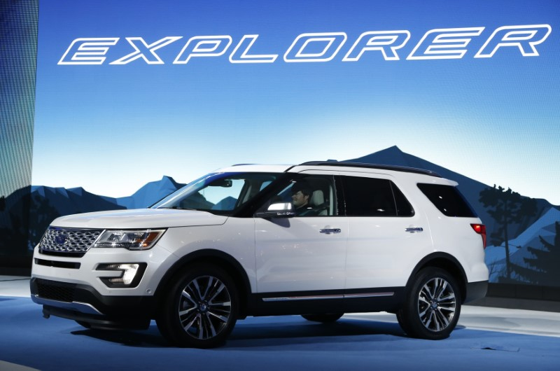 The 2016 Ford Explorer is shown during the model's world debut at the Los Angeles Auto Show in Los Angeles, California November 19, 2014.   REUTERS/Lucy Nicholson