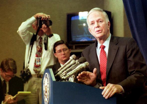Robert Packwood, Senator (R-OR)