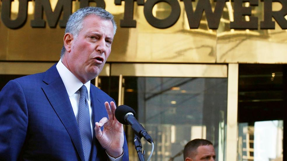 Mayors of 'sanctuary cities' to fight Trump's deportation plans