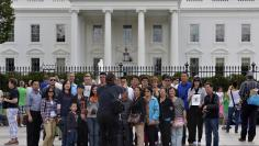 Tourists flock to the White House as government shutdown looms